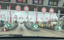 Ivre et sans permis, il circulait à contresens sur l'A13 : l'automobiliste est intercepté au péage de Buchelay (Yvelines)