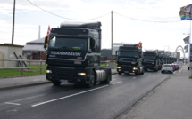 Transat : Les salariés de Transmavin manifestent bruyamment autour du bassin Paul Vatine