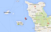 Opération de sauvetage franco-britannique au large d'Ecréhou, un archipel anglo-normand
