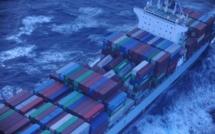 Un navire perd 75 conteneurs en mer : il consolidera sa cargaison au Havre le jour de Noël