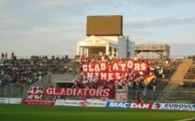 Confontation violente entre des supporters nîmois et la police lors d'un match au Havre