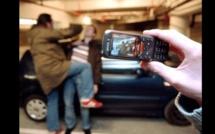 Louviers : L'un roue de coups un passant, l'autre filme avec son téléphone et poste la vidéo sur Facebook