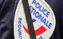 Le motard frappe un policier avec son casque après une course-poursuite dans Caudebec-lès-Elbeuf