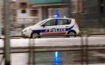 Interpellation musclée à Elbeuf : les policiers agressés par une quinzaine d'individus
