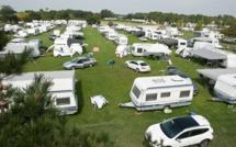 """Les gens du voyage """"chassés"""" du terrain de foot à Saint-Valery-en-Caux"""