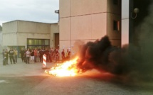 A Val-de-Reuil, les surveillants en colère bloquent le centre de détention ce vendredi matin