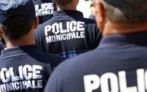 La voiture des invités d'un mariage fonce sur deux policiers municipaux à Mantes-la-Jolie