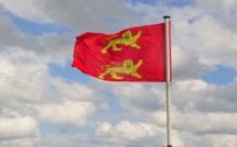 Le drapeau de la Normandie flottera sur la mairie de Sainte-Adresse ce 1er janvier 2015