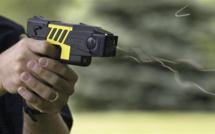 Maurepas : les policiers font usage de leur Taser pour calmer deux frères violents