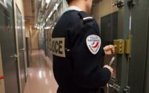 Darnétal : il montre ses parties intimes à la commerçante et ses fesses aux policiers