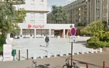 Versailles : arrêté avec une arme de poing à la ceinture dans un supermarché