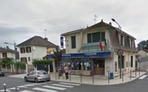 """Aubergenville : les cambrioleurs du bar-tabac """"Le Cyrano"""" parviennent à s'échapper"""