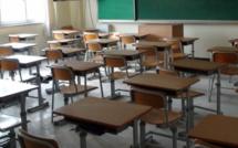 Barentin : simulacre de classe sur la place de la mairie par des parents d'élèves mécontents
