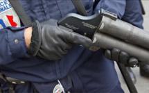 Près de Rouen, le forcené résiste au taser et au tir de flasball des policiers avant d'être neutralisé