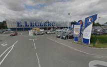 Neufchâtel-en-Bray : les accès de trois grandes surfaces bloquées par les agriculteurs