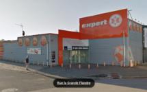Neufchâtel-en-Bray : les voleurs passent par le toit du magasin et le dévalisent
