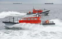 Quatre plaisanciers, tombés à la mer, sauvés de la noyade en rade de Cherbourg