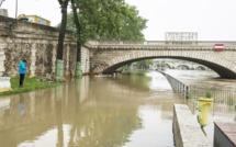 La Seine continue de monter à Paris et pourrait atteindre son niveau maximal cet après-midi