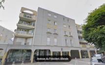 Canteleu : une jeune femme monte sur le toit de l'immeuble de 4 étages et se jette dans le vide